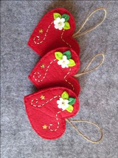 Ornamenti in feltro, Ornamenti con Cuore, Ornamenti di Natale, Decori natalizi, Regalo di Natale. by TinyFeltHeart on Etsy