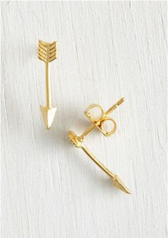 golden arrow studs