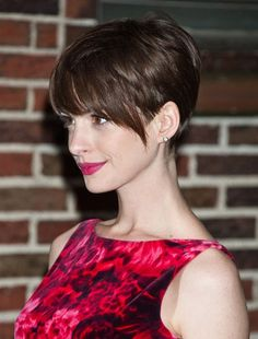 Short pixie haircuts seem both extraordinary and beautiful. Description from…