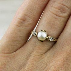 Art Deco 10k Gold Pearl and Diamond Ring with Fleurs de Lys Prongs / Evil Eye
