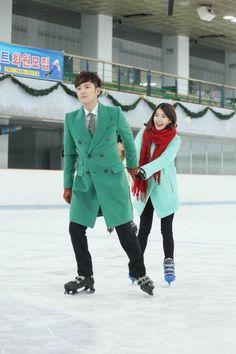 Lovely Ice-skating Date Stills of Jang Geun Seok and IU in Pretty Boy | A Koala's Playground