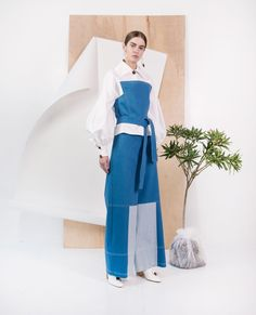 Claudia Li Resort 2018 Lookbook, Runway, Collections at TheImpression.com - Fashion news, street style, models, backstage, accessories