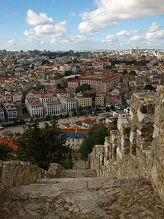 Lisbon from the walls of Castle Saint Jorge #Portugal  What a great photograph! #PORTUGALmilenar