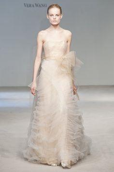 Vera Wang - Vera Wang 09: #weddingdress #ivory