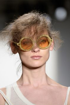 A wild hairstyle at Alexandre Herchcovitch Fall 2014