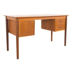 Arne Vodder Style Mid Century Danish Teak 2 Sided Writing Desk When you purchase a piece we carefully clean and prepare it for shipping. Mid Century Modern Design, Mid Century Modern Furniture, Table Furniture, Home Furniture, Drawing Room Blue, Chic Office Decor, Mid Century Desk, Teak Table, Writing Desk