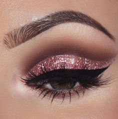 Perfect-eyes make up. @rt&misi@.
