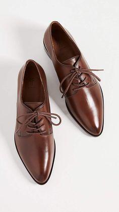 Look Oxford, Women Oxford Shoes, Shoe Game, Shoe Collection, Womens Flats, Girls Shoes, Fashion Shoes, Shoe Boots, Dress Shoes