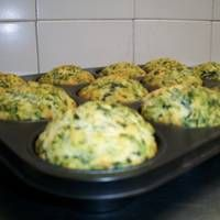 Muffins de espinaca y parmesano Canapes, Empanadas, No Bake Cake, Finger Foods, Family Meals, Nutella, Tapas, Cauliflower, Catering