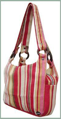 Cute Purse. The tutorial is here - http://www.craftster.org/forum/index.php?topic=88223.0#axzz2px9wU4JY