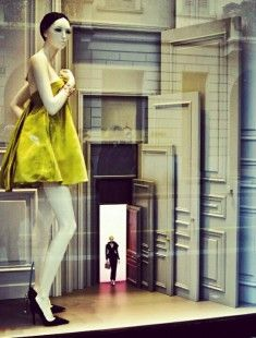 How many doors do we have to open? By Dior #fashion #moda #design #diseño #milan #milano #shop #tienda #escaparatismo #window
