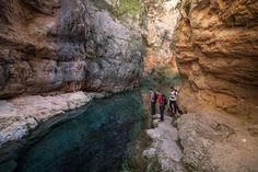 Descubre una de las rutas más bonitas y sorprendentes de Teruel: Los Estrechos del río Ebrón. Una ruta para hacer en cualquier época del año.