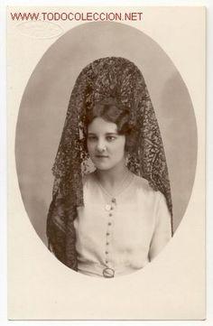 Magnifica foto, preciosa señorita con una elegante mantilla - Fotos Baños, Jumilla, Murcia  (Fotografía Antigua - Tarjeta Postal)
