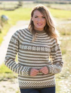 Katalog 1416 - Viking of Norway Fair Isle Knitting, Hand Knitting, Knitting Sweaters, Knitting Machine, Viking Designs, How To Start Knitting, Alpacas, Knit Cardigan, Knitting Patterns