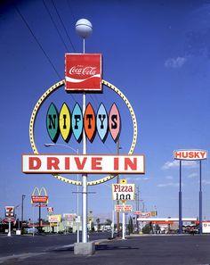 Nifty's Drive In - Las Vegas, 1968 - Denise Scott Brown and Robert Venturi