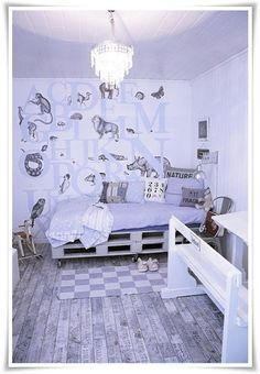 Childrens room in white, grey, and wood via Planete Deco Diy Pallet Sofa, Diy Couch, Wooden Pallet Furniture, Home Decor Furniture, Canapé Diy, Sofa Design, Interior Design, Old Pallets, Recycled Pallets
