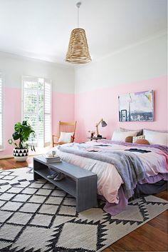 Peindre ses murs deux couleurs: 10 idées   Les idées de ma maison Photo: ©apartment34.com   Inside Out #deco #idee #couleurs #peinture #tendance #duo
