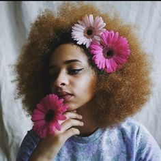 10 Black Women With Flowers In Their Hair Because They're Taking Flawlessness To Floral Levels