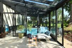 Veranda piscine et coin détente