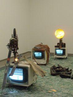 Elektronischer dé-coll/age Happening Raum by Wolf Vostell Modern Sculpture, Sculpture Art, Sculptures, Op Art, Fluxus, New Media Art, Video Installation, Junk Art, Deconstruction
