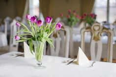 Spring in Château Béla, tulips 5 Star Hotels, Tulips, Table Decorations, Spring, Home Decor, Decoration Home, Room Decor, Home Interior Design, Tulip