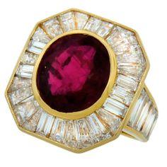 VAN CLEEF & ARPELS 5.66-ct Burmese Ruby Diamond & Yell Gold Ring thumbnail 1