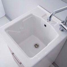 Lavatoi e Pilozzi in Ceramica Terrazzo, Laundry Room, House Plans, Sink, Sweet Home, Bathtub, Ebay, Interior Design, Bathroom