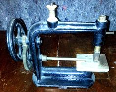 Unusual and RARE Vintage Antique Durbrow Hearne Mfg Sewing Machine | eBay
