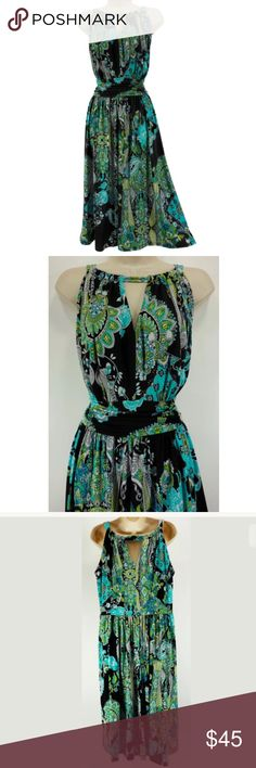 """16W 1X PAISLEY KEYHOLE HALTER DRESS Plus Size This gorgeous keyhole/halter dress is sexy, eye-catching, and fashionable!   Size: 16W Left side zip Keyhole neckline in front AND back Eye-catching paisley print Flattering ruched waist (front only) Stretchy, comfortable fabric Measurements: Bust (armpit to armpit):  44"""" relaxed - stretches to 52"""" Waist: 37"""" relaxed - stretches to 44"""" Hips:  72"""" relaxed Length: 45"""" (top of shoulder to bottom hem)  Condition: LIKE NEW! Fabric Content: 95%…"""