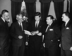 Title: President John F. Kennedy Meets with Officials Regarding the Seattle World's Fair Date(s) of Materials: 21 February 1962 Raymond Burr, Perry Mason, John Fitzgerald, World's Fair, Movie Tv, Seattle, Presidents, Interview, Jfk
