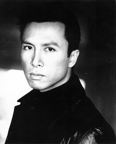LOVE Donnie Yen!!! His movies are amazing :)