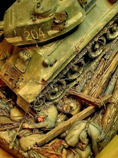 A Soviet tank smashes through the last line of defenses of the German 9 . Fallschirmjäger-Division, Panzer Korps, at Seelo. Mercedes Stern, Armoured Personnel Carrier, Model Tanks, Star Wars Pictures, Military Modelling, Military Diorama, Armored Vehicles, Model Building, Scale Models