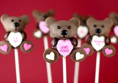 The cutest thing on a lollipop sticks, ever. These may look like you have to be an expert cake pop maker to pull off, but Bakerella can show you how to make them with ease! Go visit her here to see how to make these little teddy bear cake pops. And, maybe wrap them with …