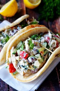 Easy Greek Tzatziki Chicken Salad. Delicious? Check. Easy? Check. Healthy? Check.  Find out how to make the no-cook quick summer salad! | hostthetoast.com