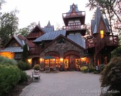 Built in 2002, Landoll's Mohican Castle has become known as perhaps the most luxurious lodging facility in the area. A perfect romantic escape.