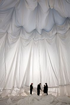b_720_0_0_0___images_stories_users_Jessy_Christo_e_Jeanne-Claude__Big_Air_Package_christo_jeanne_claude_big_air_package-012.jpg (720×1080)