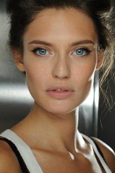 Bianca Balti natural make up Eye Makeup Tips, Beauty Makeup, Hair Beauty, Makeup Ideas, Makeup Tutorials, Makeup Blog, Natural Everyday Makeup, Natural Makeup Looks, Gorgeous Makeup