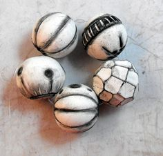https://flic.kr/p/oZggdm | Black and White | Polymer Clay Beads