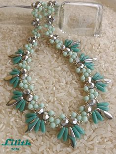 LOVE something like this to mimick all the rhinestone statement necklaces in the stores!