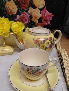 Pretty Yellow Teaset!