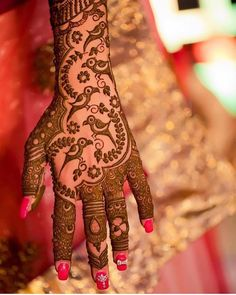 Best Mehndi Designs For Every Kind Of Bride! Indian Mehndi Designs, Modern Mehndi Designs, Wedding Mehndi Designs, Mehndi Design Pictures, Henna Designs, Mehndi Images, Wedding Henna, Bridal Henna, Rangoli Designs