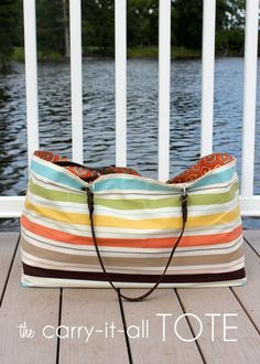 Looking for the perfect bag to make your beach and pool days a bit easier? Give this #DIY tote a try.
