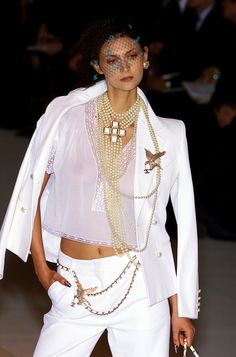 Chanel Spring 2001 Runway Pictures - Livingly