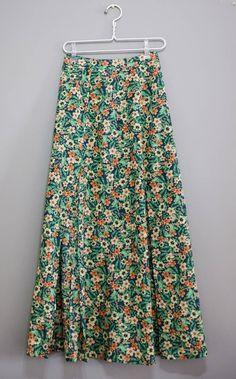 Skirt Pants, Jean Skirt, Model Rok, Cool Style, My Style, Floral Fashion, Capsule Wardrobe, Amanda, Ideias Fashion