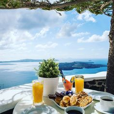 Perfect #morning at Morfes Luxury Residence. Happy #Friday #world! www.bookingsantorini.com  #santorinihotels #santorini Santorini Hotels, Greek Islands, Happy Friday, Greece, Table Decorations, Luxury, Instagram Posts, Beautiful, Home Decor
