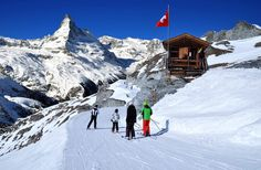Switzerland is the best place to visit for a ski vacation in Europe. Find out about the best ski resorts in Switzerland and find the perfect one for you. Winter Hiking, Winter Travel, Ski Vacation, Vacation Destinations, Zermatt, Swiss Alps Skiing, Swiss Ski, Best Of Switzerland, Alps Switzerland