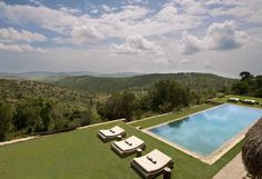 this is what i call chilling by the pool....wow...sirai house