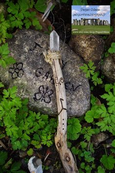Sea witch Wand Runic Triskele power Water Element par PaganOdana, $51.35