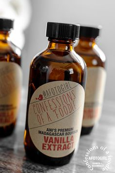 confessions of a foodie | recipes + photos: {a Christmas DIY} never-ending homemade vanilla extract