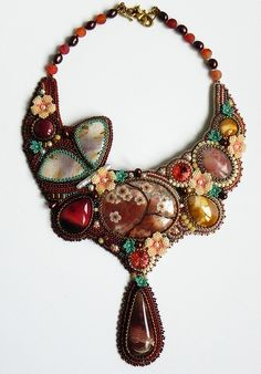 Beautiful embroidered jewelry by Alena Cilenticyriver Click on link to see more photos - http://beadsmagic.com/?p=7205